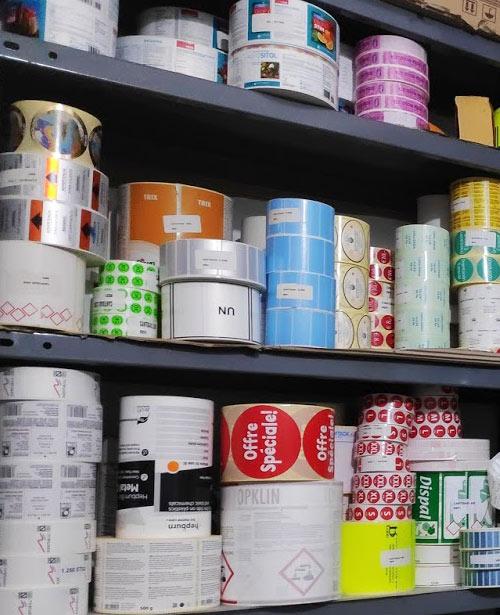 Etiquetas adhesivas en bobina