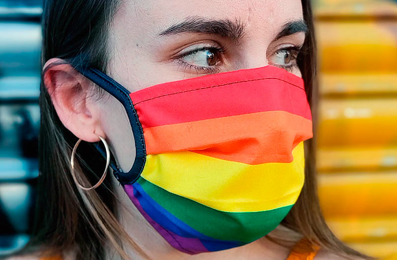 mascarilla bandera arcoiris