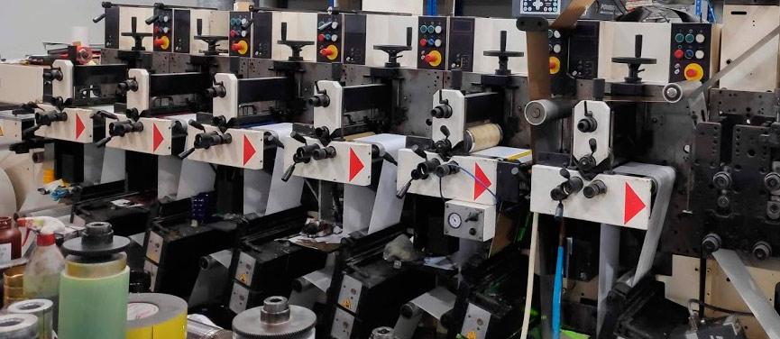 fábrica de etiquetas en bobina