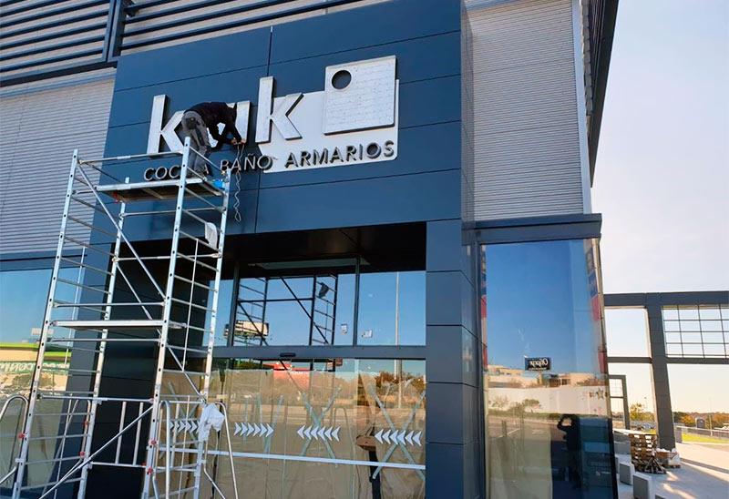instalación de rótulo luminoso en Madrid
