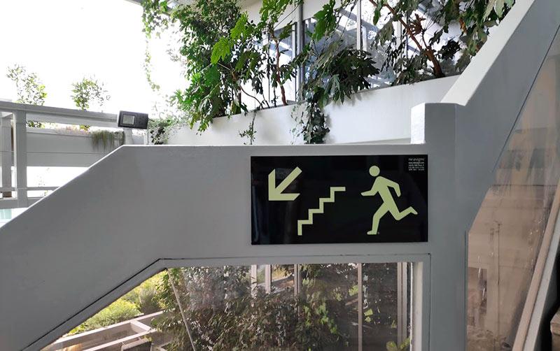 señal para salida de emergencias