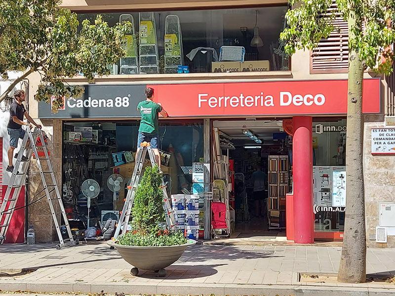 instalación de rótulos en Barcelona